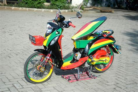 Modifikasi Vespa Rasta by Fino Rastamania Dari Priok Otosia