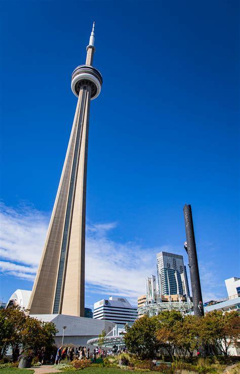 torontos cn tower    toronto   weekend    flickr