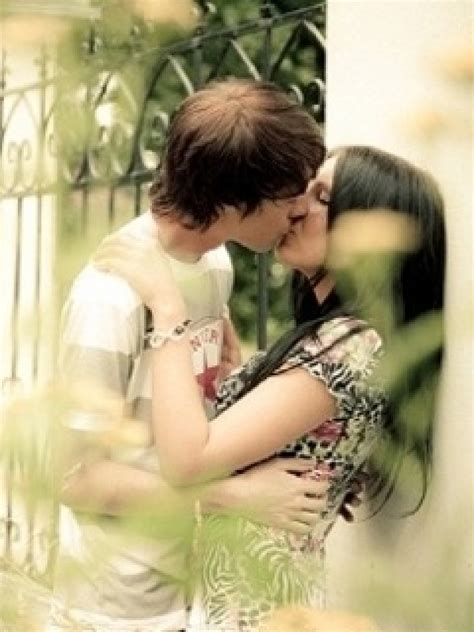 wallpaper love kiss couple gallery