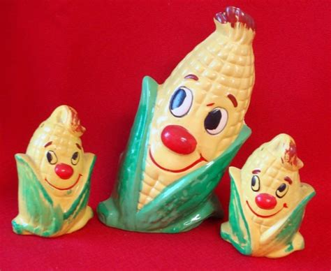 novelty salt and pepper shakers collectible shakers napkin 555 best pass the salt pepper images on pinterest