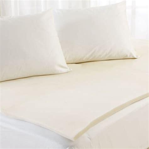 Which Is Better Memory Foam Or Mattress Topper - sleep better peaceful dreams memory foam mattress topper
