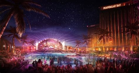 mandalay bay redefining resort with property wide the light mandalay bay las vegas mouthtoears com