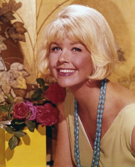 what color is doris days natural hair hot hollywood celebrities doris day pix pic picture image