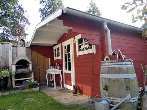 tuinhuis verven of beitsen tuinhuis verven tuinhuisje verven met moose f 228 rg simpel