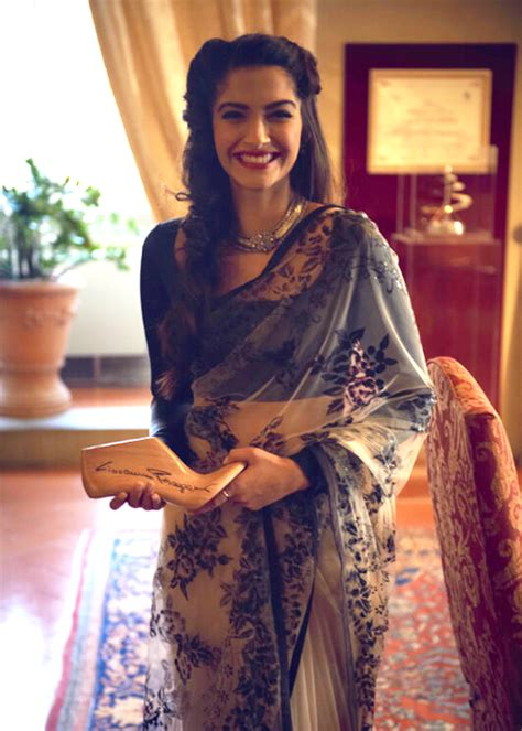indian hairstyles for jeans sonam kapoor in saree diva likes