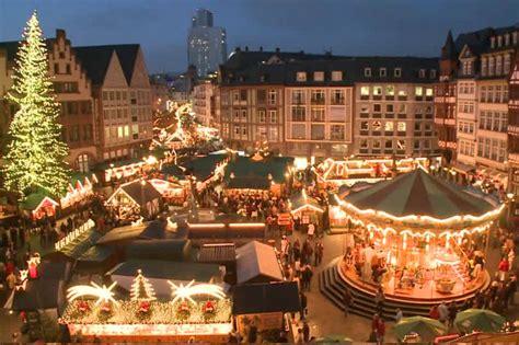 huge  holiday market planned  toronto