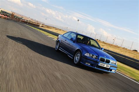 bmw e36 m3 track car the bmw e36 m3 being on the track