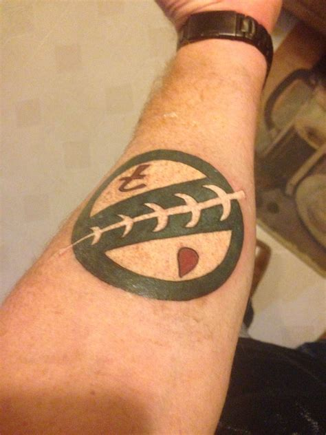 mandalorian tattoo designs my mandalorian crest ideas