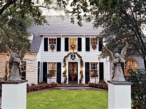 how to decorate a colonial home a southern accents christmas the glam pad