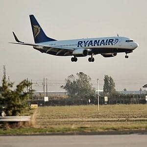 ufficio turismo bari ryanair archiviata l inchiesta sui fondi da aeroporti di