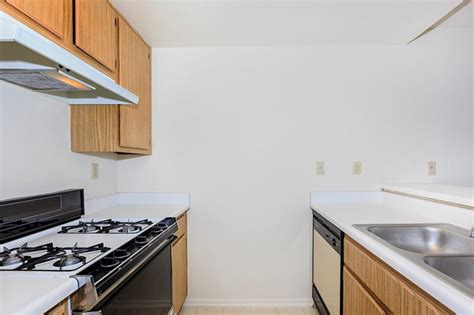 palm court apartment homes rentals hemet ca