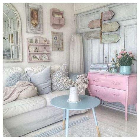 mobili soggiorno shabby chic idee per arredare un soggiorno in stile shabby chic foto