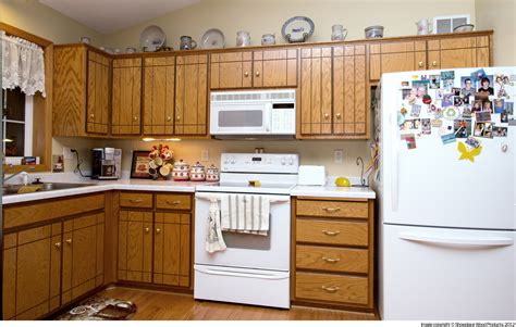 refacing oak kitchen cabinets refinishing kitchen cabinets renew kitchen cabinets