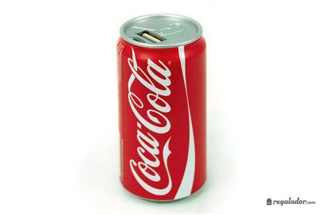 Lemari Es Coca Cola bater 237 as con forma de latas de coca cola en regalador