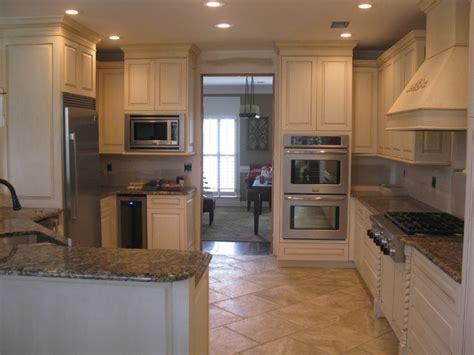 houzz painted kitchen cabinets kitchen cabinets painted and fauxed contemporary