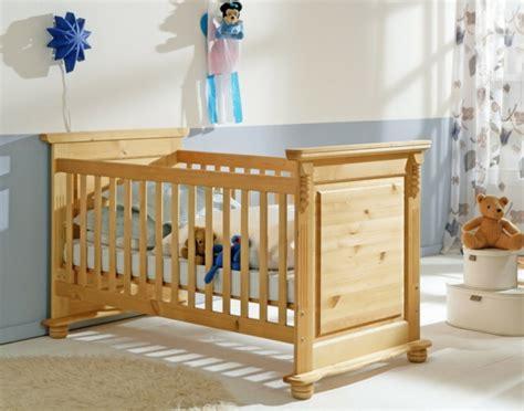 baby vom bett gefallen kinderbett aus massivholz 24 designs archzine net