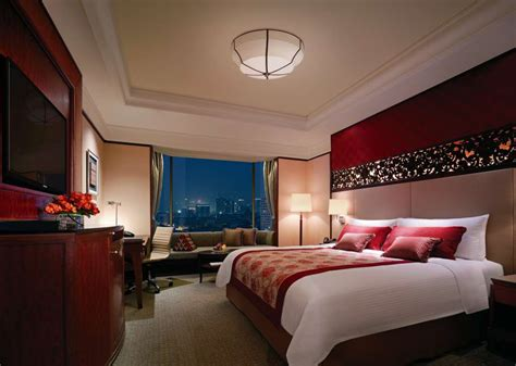 Local Room by 3 500 Only Staycation Deal At Shangri La Bangkok