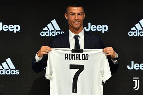 ronaldo juventus podcast napoli favours messi cristiano ronaldo forza italian football