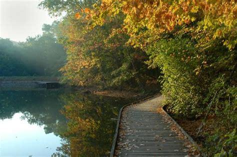 lake trail  ohio  explore  fall rowe