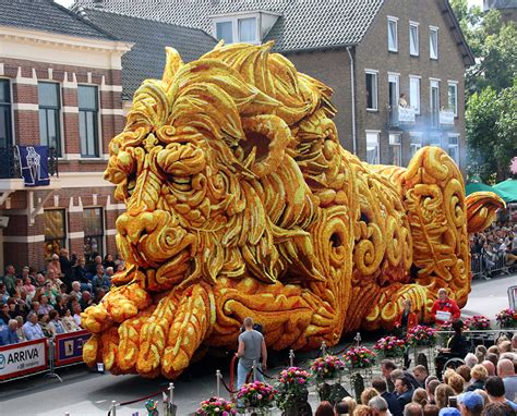 the annual corso zundert flower parade features
