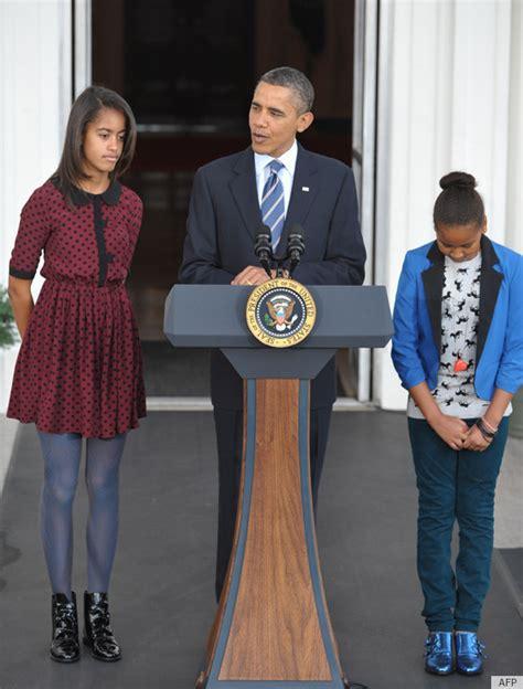 sasha and malia bedrooms in white house sasha and malia obama pardon a turkey in style photos huffpost