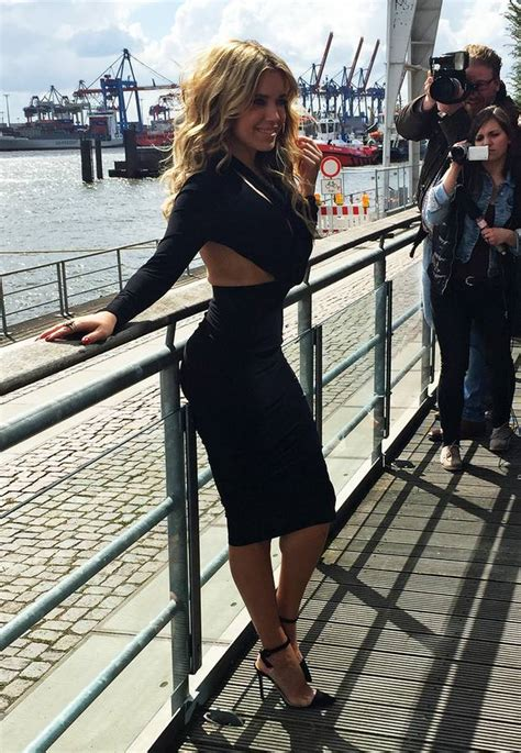 Silvie Dress fashion looks der style sylvie meis s 43 gala de