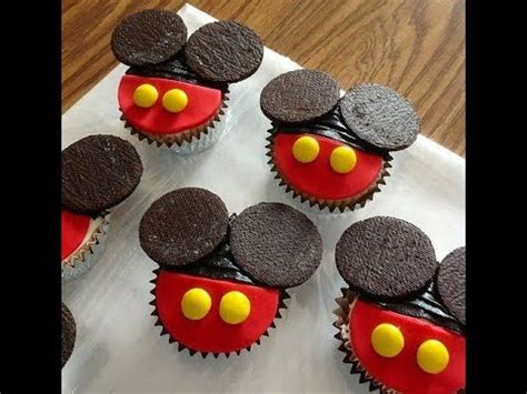 como decorar cupcakes de mickey mouse como decorar cupcakes de mickey mouse youtube
