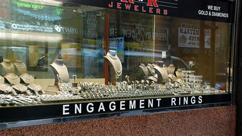 Engagement Ring Stores by Engagement Ring Shopping In New York City S