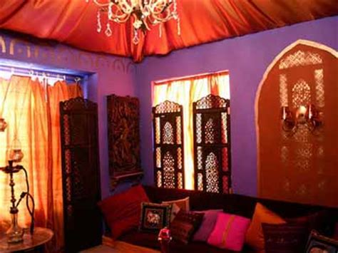moroccan bedroom decorating light and purple colors