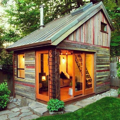 Guest Shed by 17 Best Ideas About Guest Cabin On Small