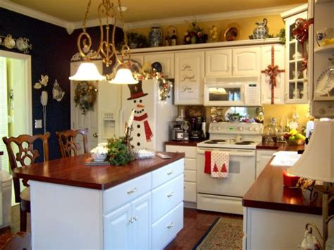 hgtv rate my space kitchens my kitchen at christmas holiday designs decorating