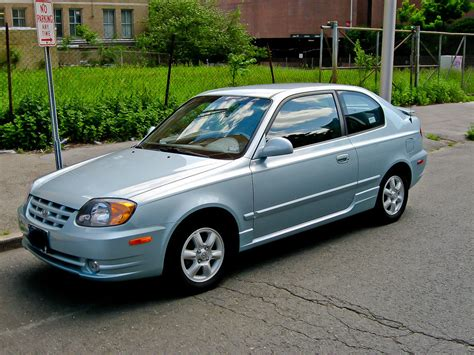 2004 Hyundai Accent Hatchback by 2004 Hyundai Accent Pictures Cargurus
