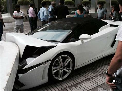 smashed lamborghini lamborghini crashed in new delhi by hotel valet drivespark