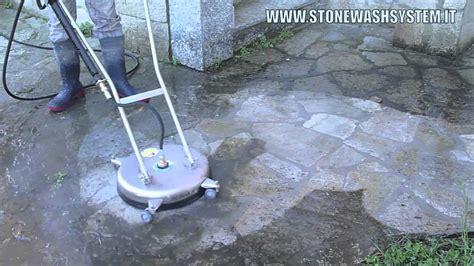 pulizia pavimenti esterni wash system intervento di pulizia di un vecchio