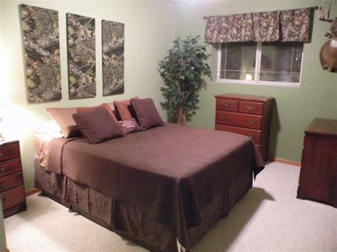 hunting themed bedroom hunting theme boys bedroom camo covered canvas good idea to add camo to walls for bowden