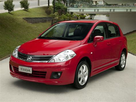 nissan tiida hatchback nissan tiida technical specifications and fuel economy
