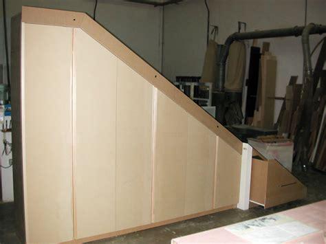 armadi per sottoscala armadio sottoscala legno