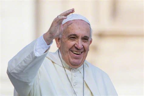 Papa Francesco papa francesco a la visita in tv tv sorrisi e