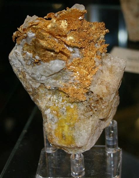 gold formed as crystals gold nuggets and gold