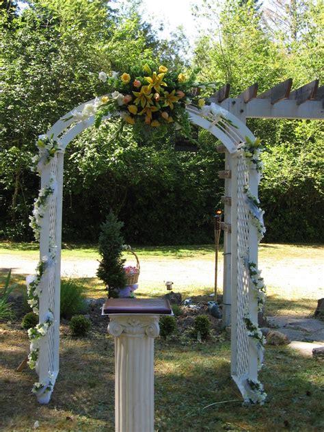 hawaiian themed backyard arch in hawaiian themed backyard wedding hawaiian wedding or weste