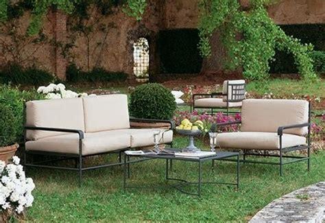 mobilier jardin fer table et chaise metal de jardin maisondours