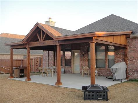 Hip Roof Patio Cover Plans by 25 Best Porch Cover Ideas On