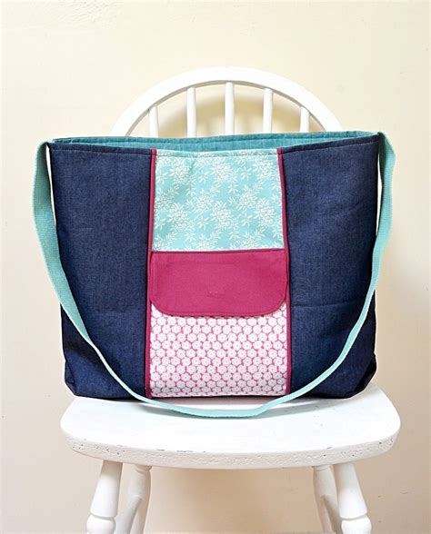 large zippered pouch pattern large zippered tote bag free pdf pattern vicky myers