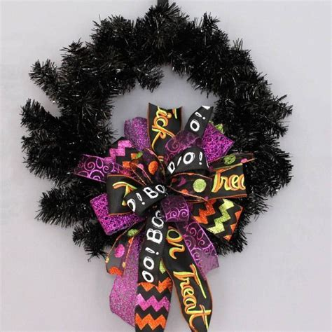 Whimsical Halloween Funky Wreath Bow Party Decorations