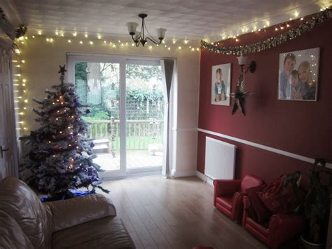 hang christmas lights in bedroom with hanging wall for