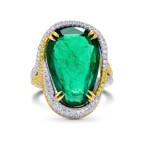 9 72cts emerald side diamonds engagement extraordinary