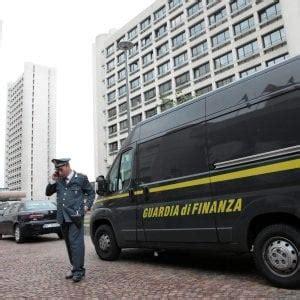 banco di napoli bologna bologna blitz finanza anti camorra arrestato un