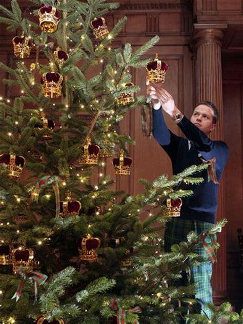 buckingham palace christmas decorations google search christmas decorations royal decorations