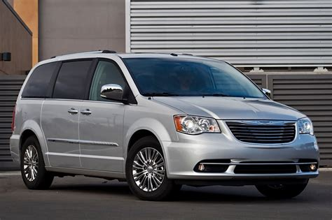chrysler minivan used 2014 chrysler town and country for sale pricing
