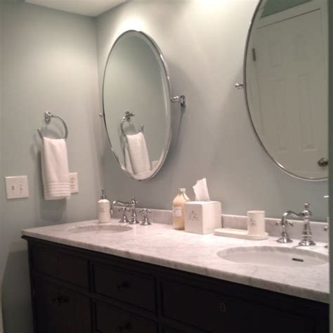 Oval Mirror Bathroom by Best 25 Oval Bathroom Mirror Ideas On Half Bath Remodel Small Bathroom Paint